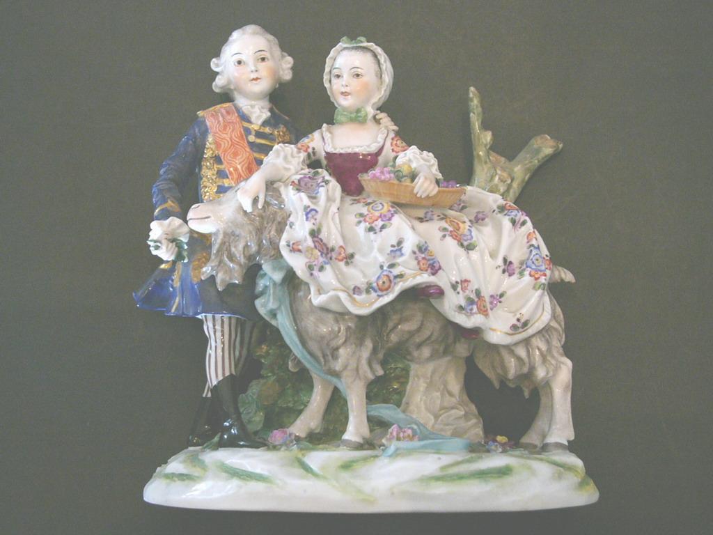 Porcellana di capodimonte dettagli descrizione bellissima porcellana